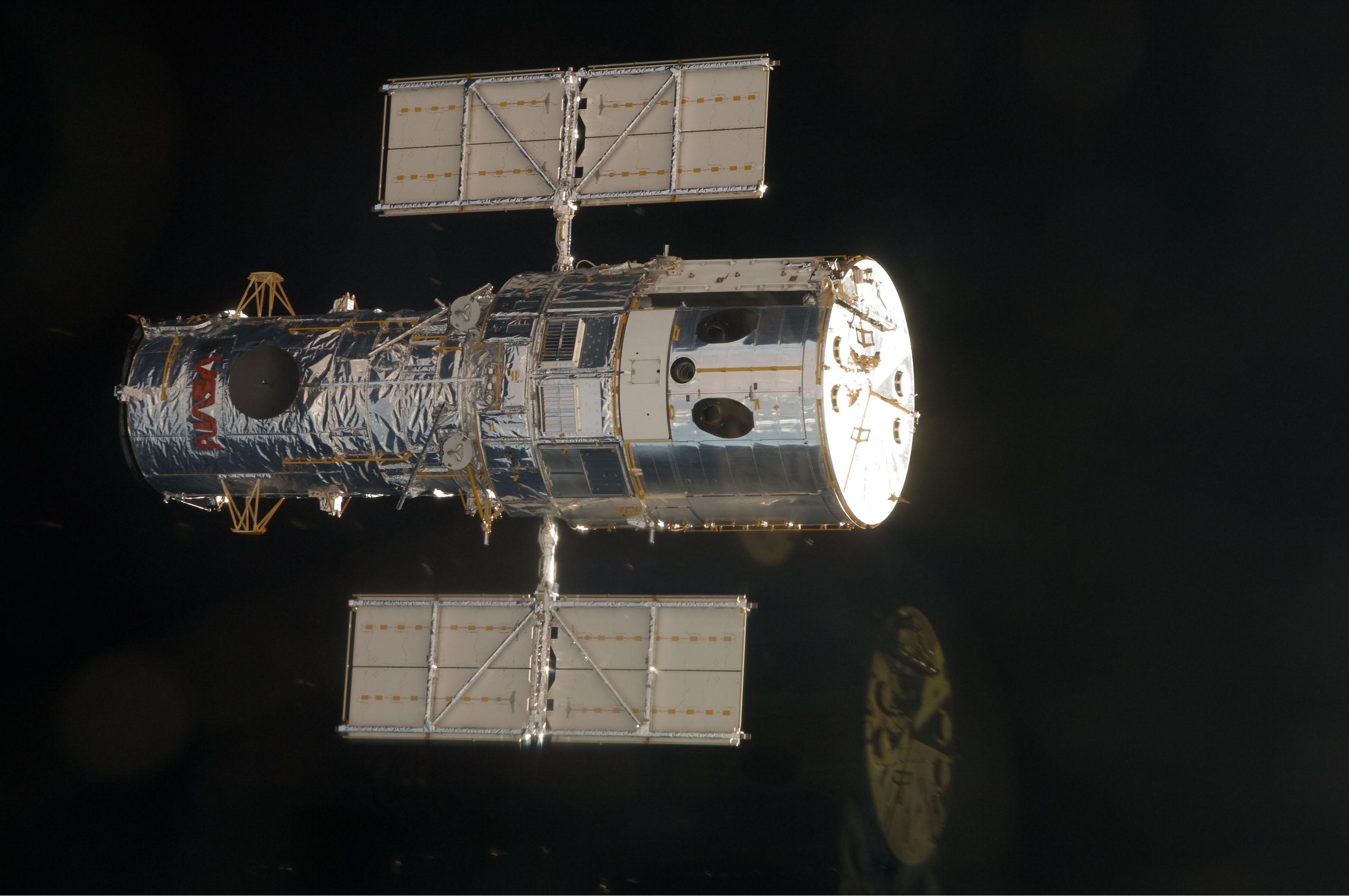 nasa building the hubble space telescope - HD3072×2041