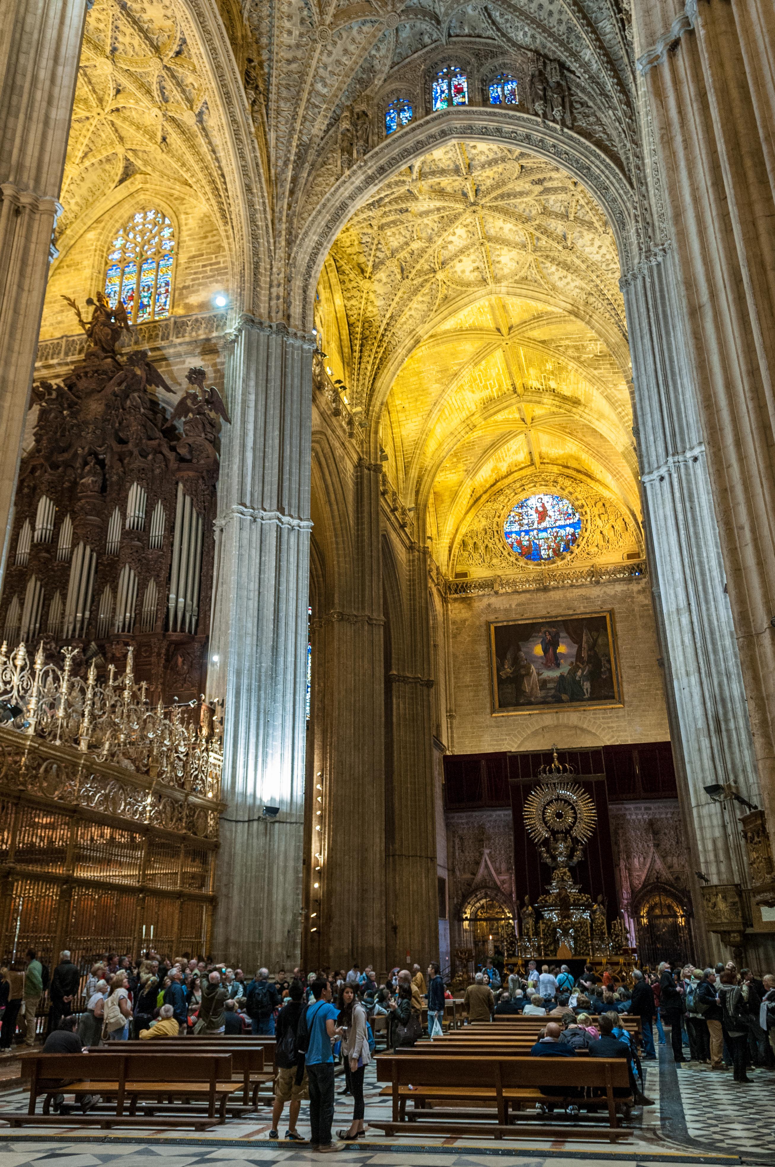 File:Seville Cathedral (6931808712).jpg