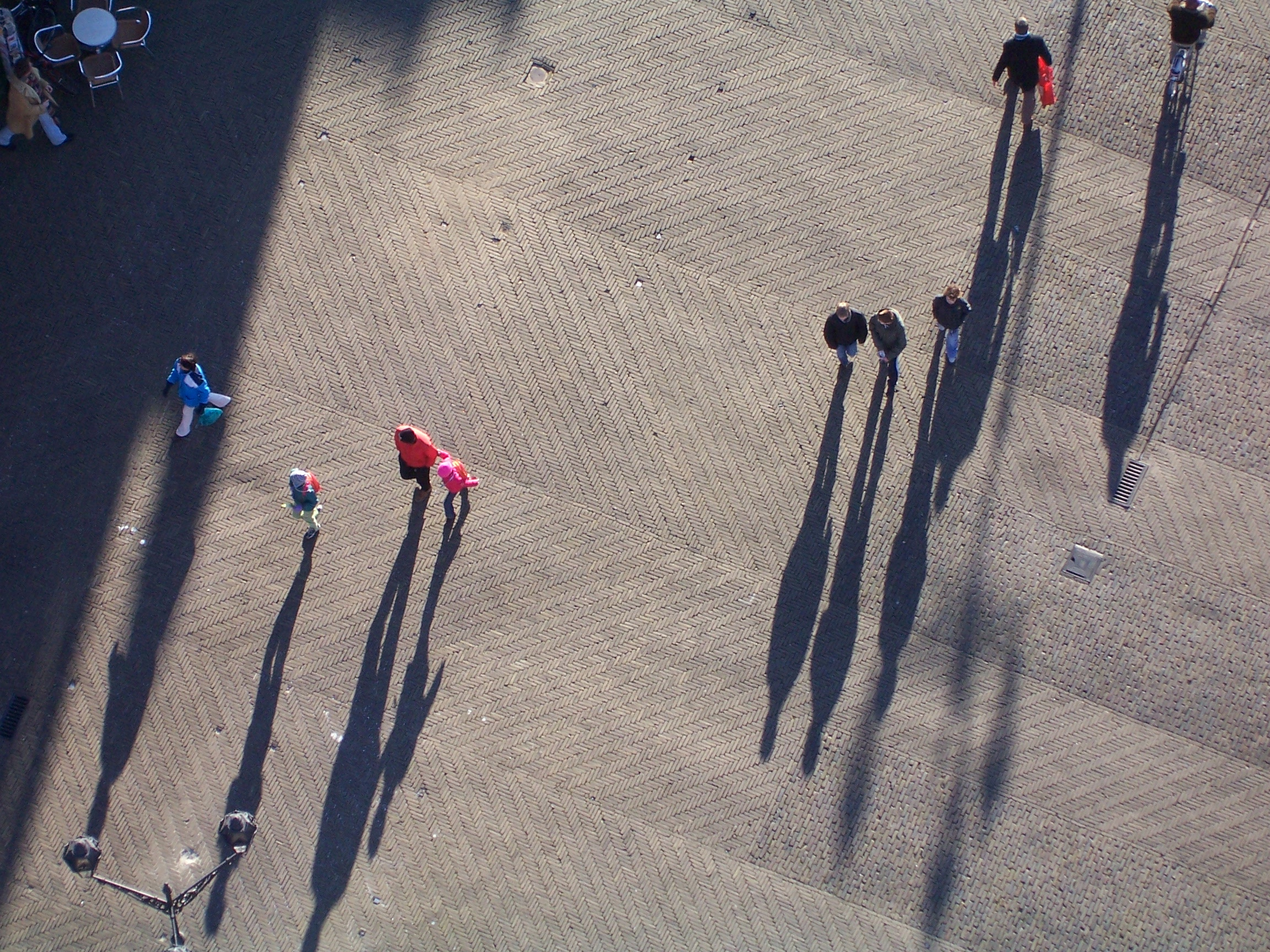Beschrijving shadows from people jpg