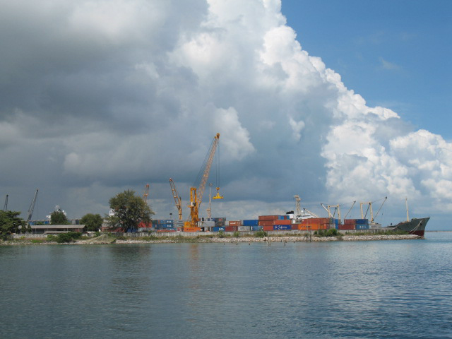 File:Songkhla Sea Port.jpg