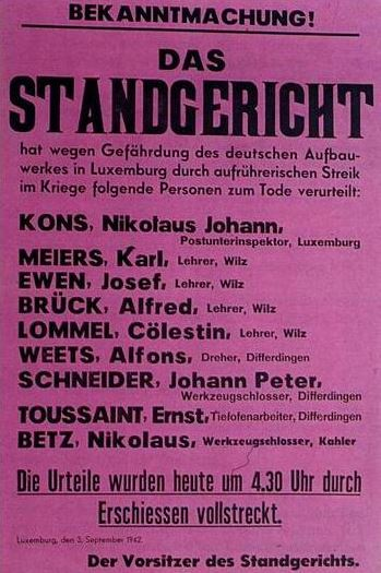 Poster announcing the death sentences of 9 of the 21 Luxembourgers executed for their participation in the 1942 General Strike. Standgericht03SEP42.JPG