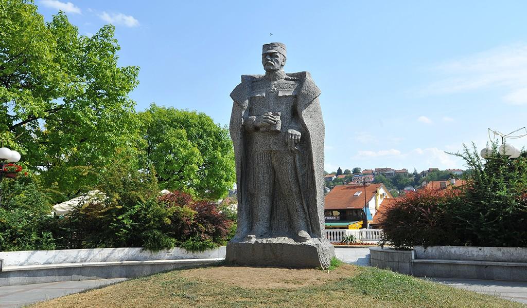 File Stara Carsija Tesnjar Spomenik Vojvodi Zivojinu Misicu Jpg