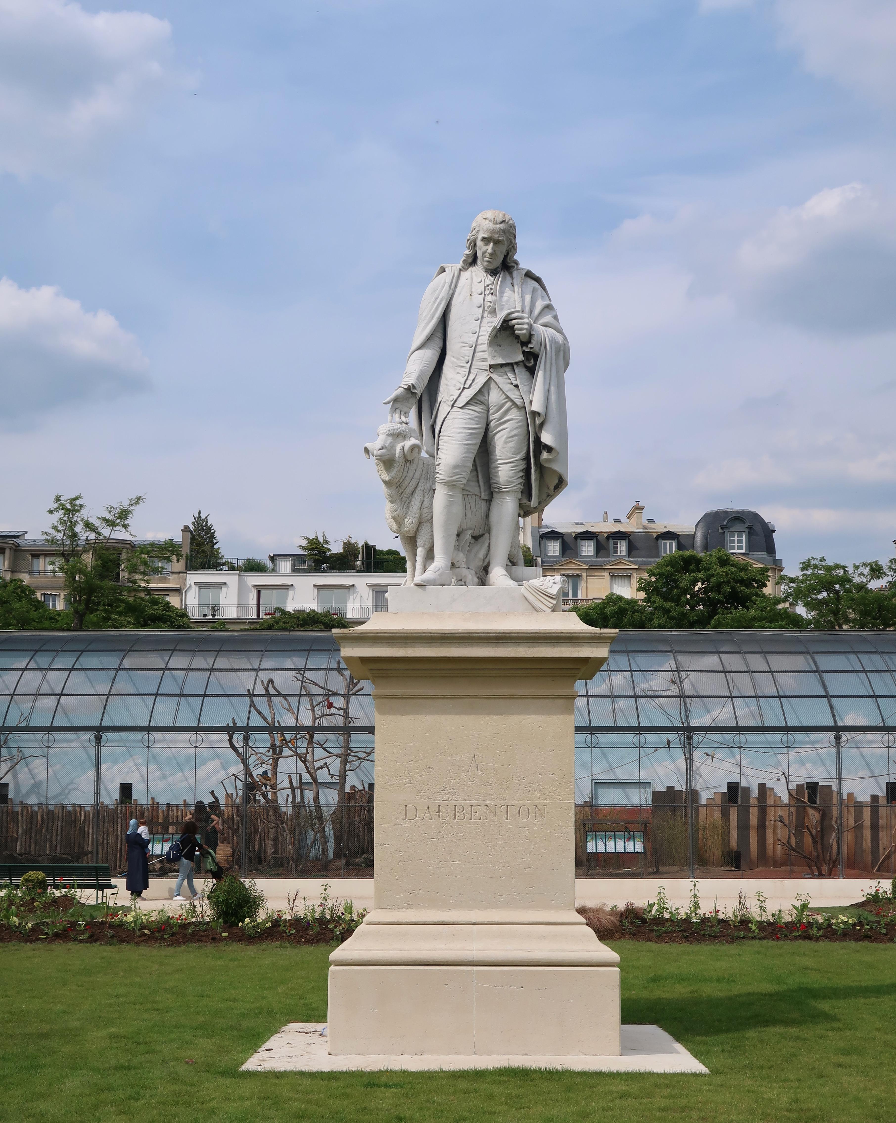File:Statue Daubenton, jardin d'acclimatation, bois de ...