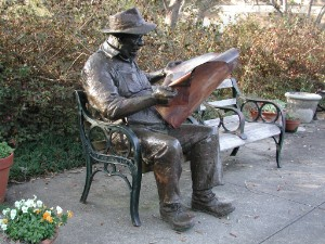 File:Statue of Len Ganeway reading (Brookgreen Gardens, Pawleys Island, South Carolina).jpg
