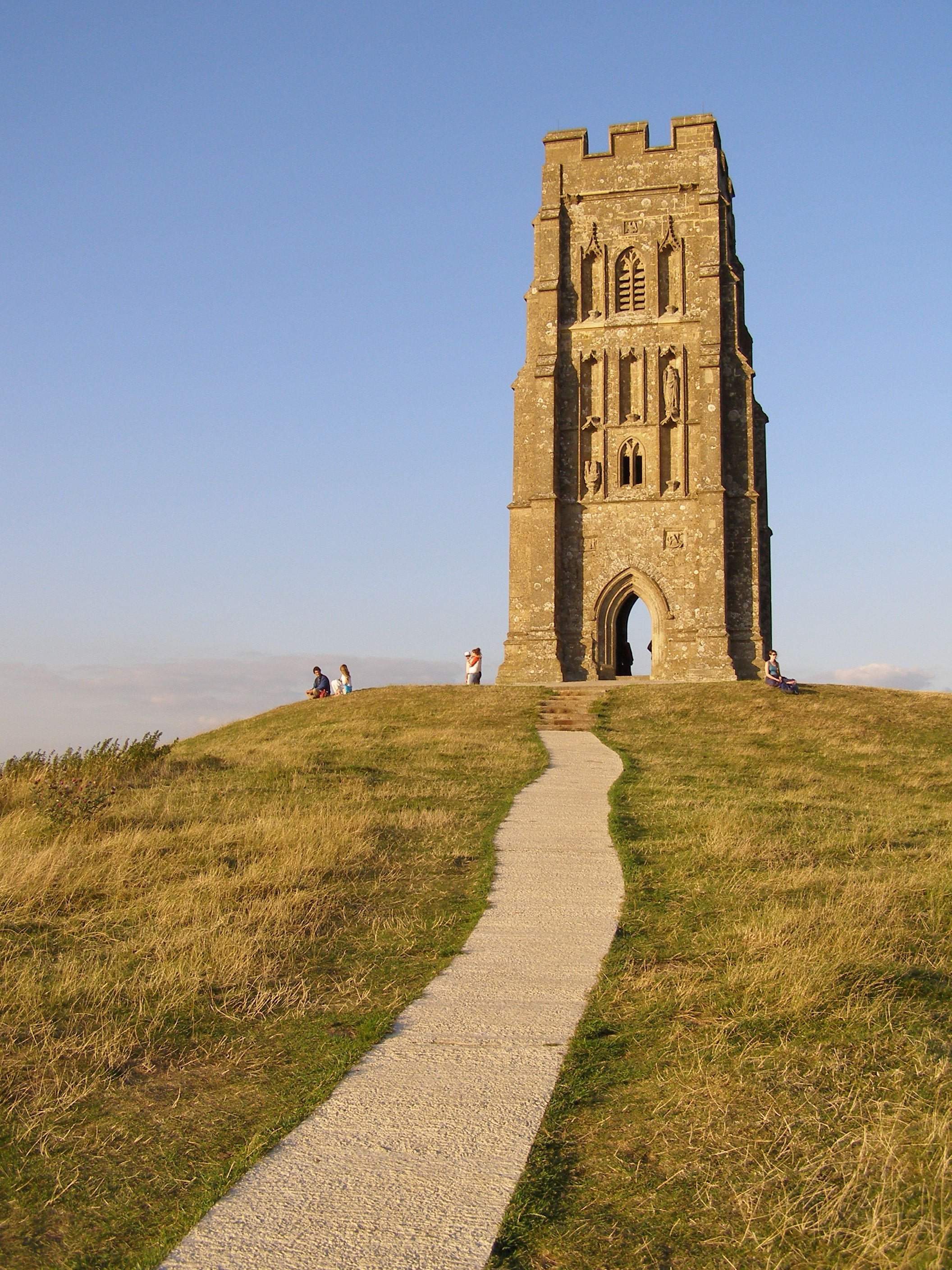Description Summit of glastonbury tor.jpg