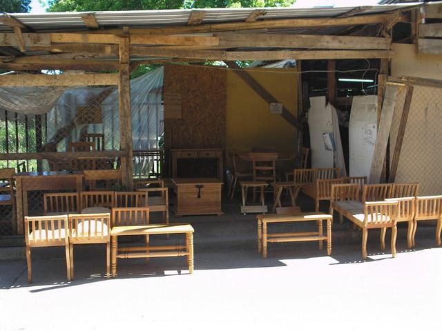 File talleres de muebles pelequ wikimedia commons for Muebles colegio