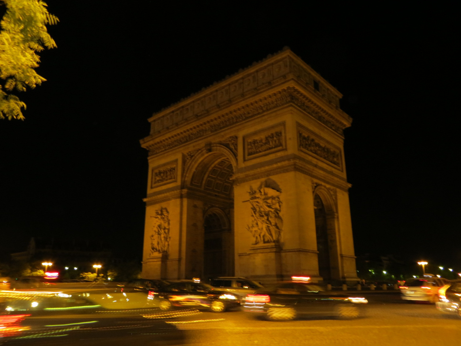 file the arc de triomphe at night 8041174131 jpg wikimedia commons