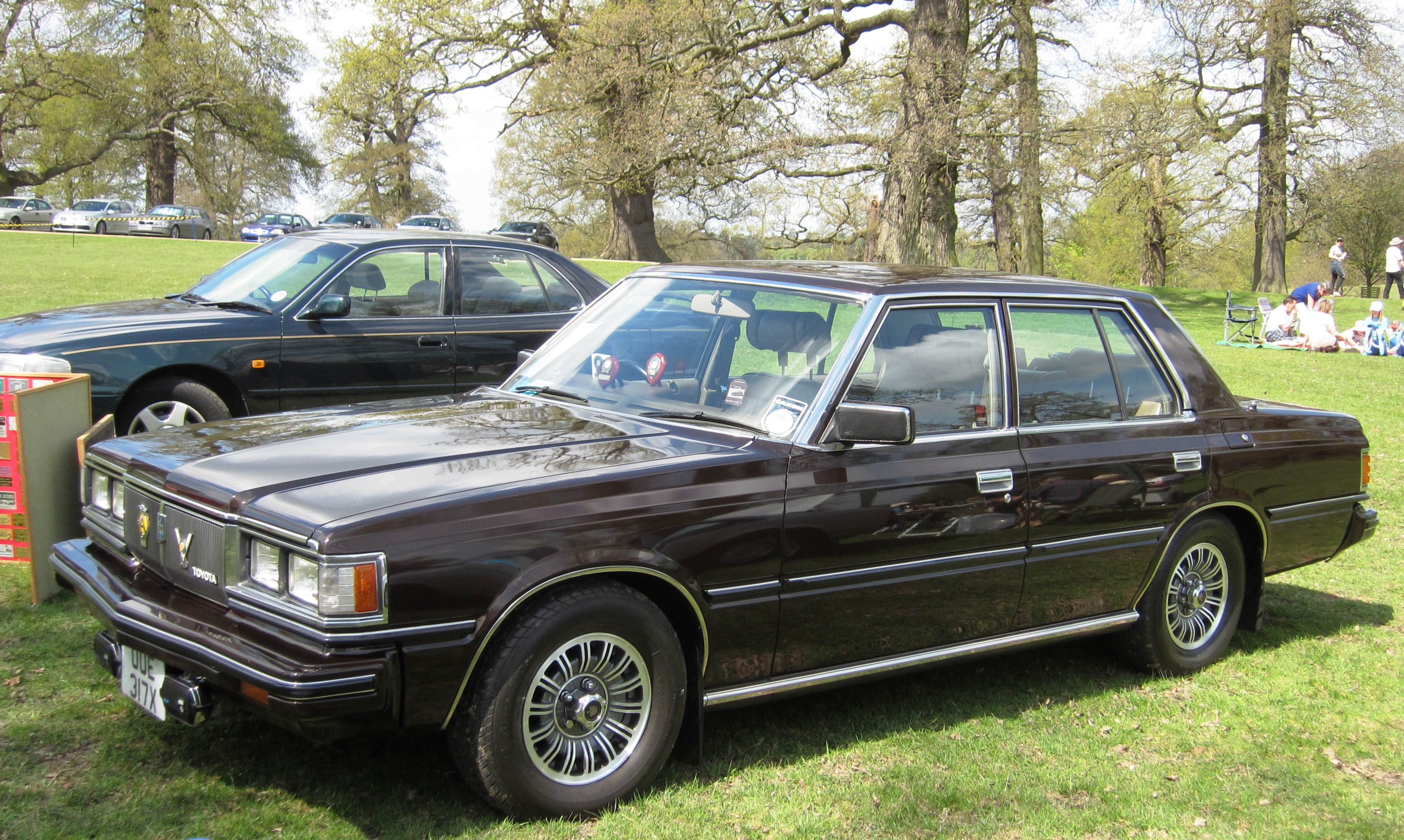Build A Toyota >> File:Toyota Crown S110 first registered in UK April 1982 ...