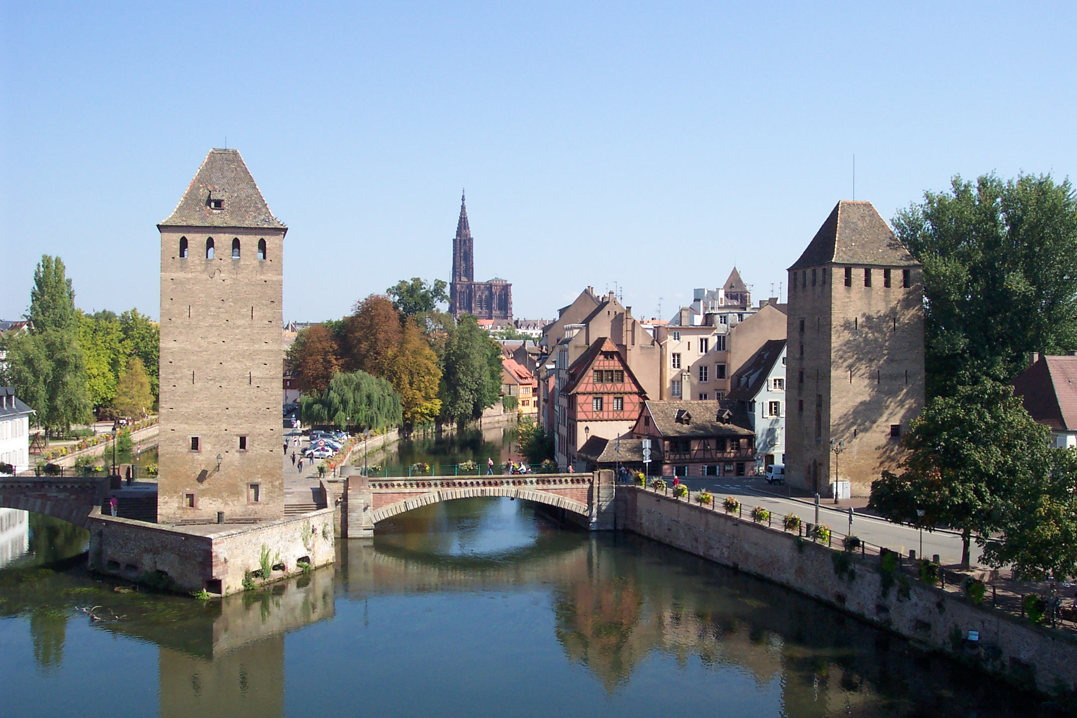 file two towers of ponts couverts and strasbourg cathedral. Black Bedroom Furniture Sets. Home Design Ideas