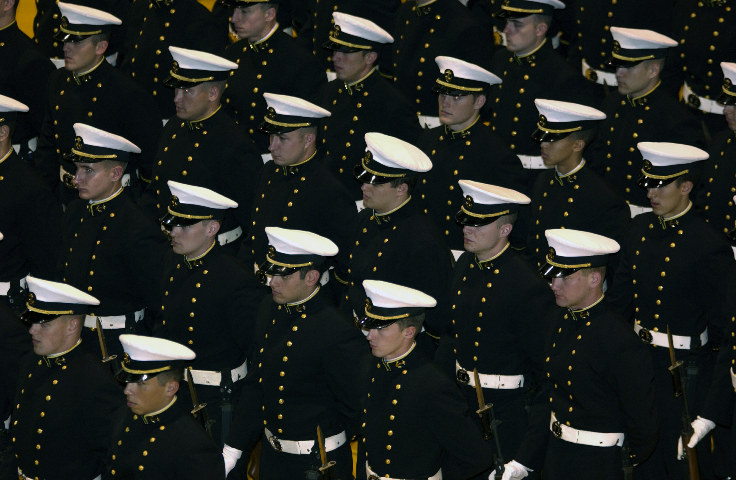 File service dress blues jpg wikimedia commons - File Us Navy 031121 N 9693m 001 U S Naval Academy Midshipmen Stand