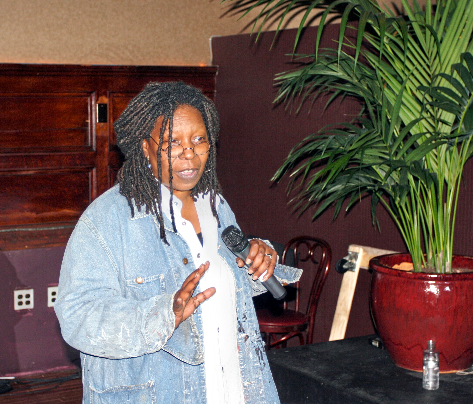 Whoopi Goldberg stand up for Rainforest Action Network.png