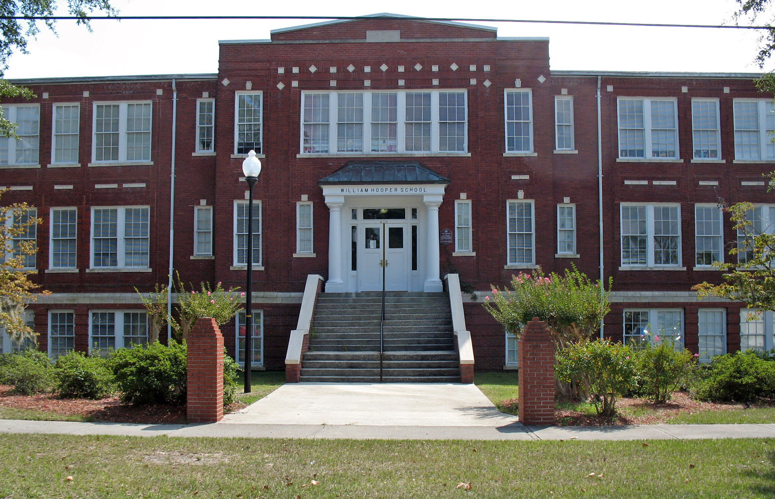 File:William Hooper School (Wilmington, NC).JPG