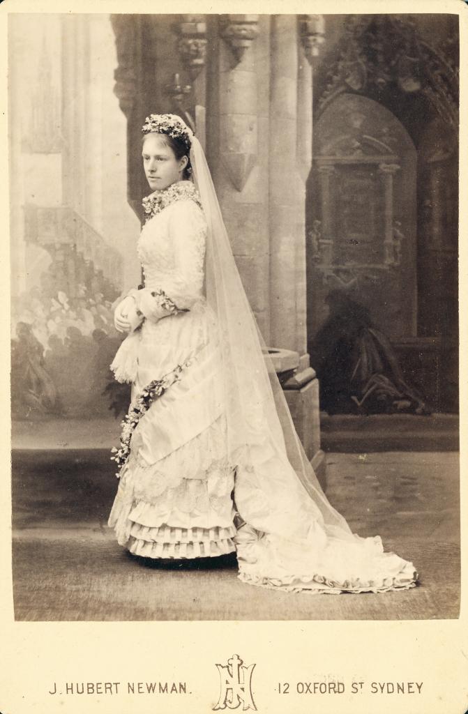 File Woman In Wedding Dress 1850 3331836219 Jpg