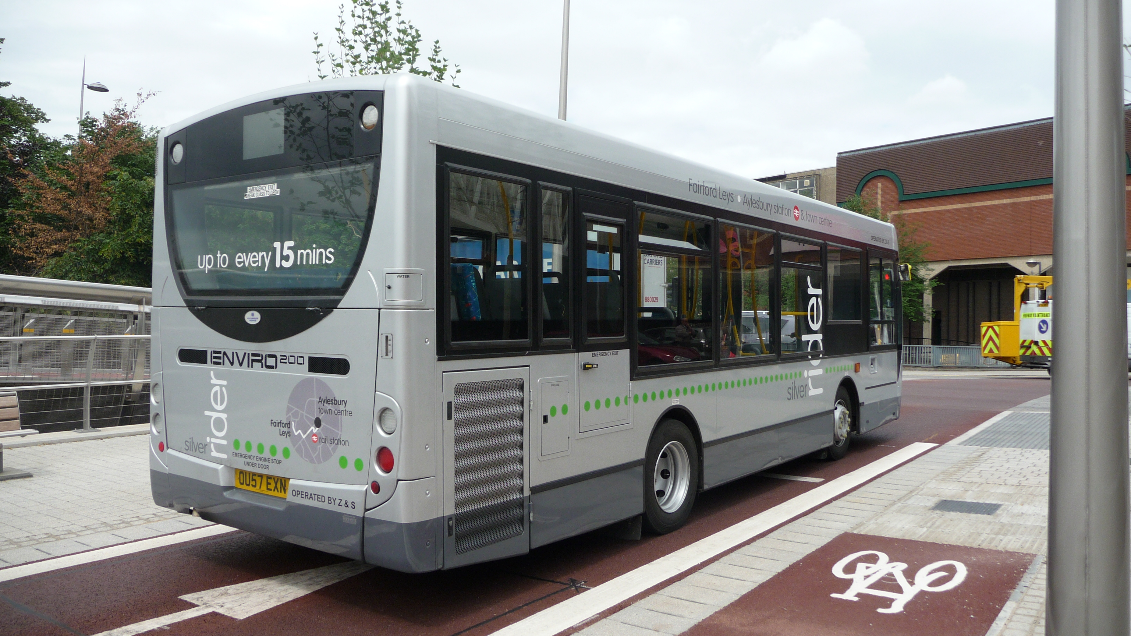 File:Z&S International OU57 EXN rear.JPG. By: Arriva436