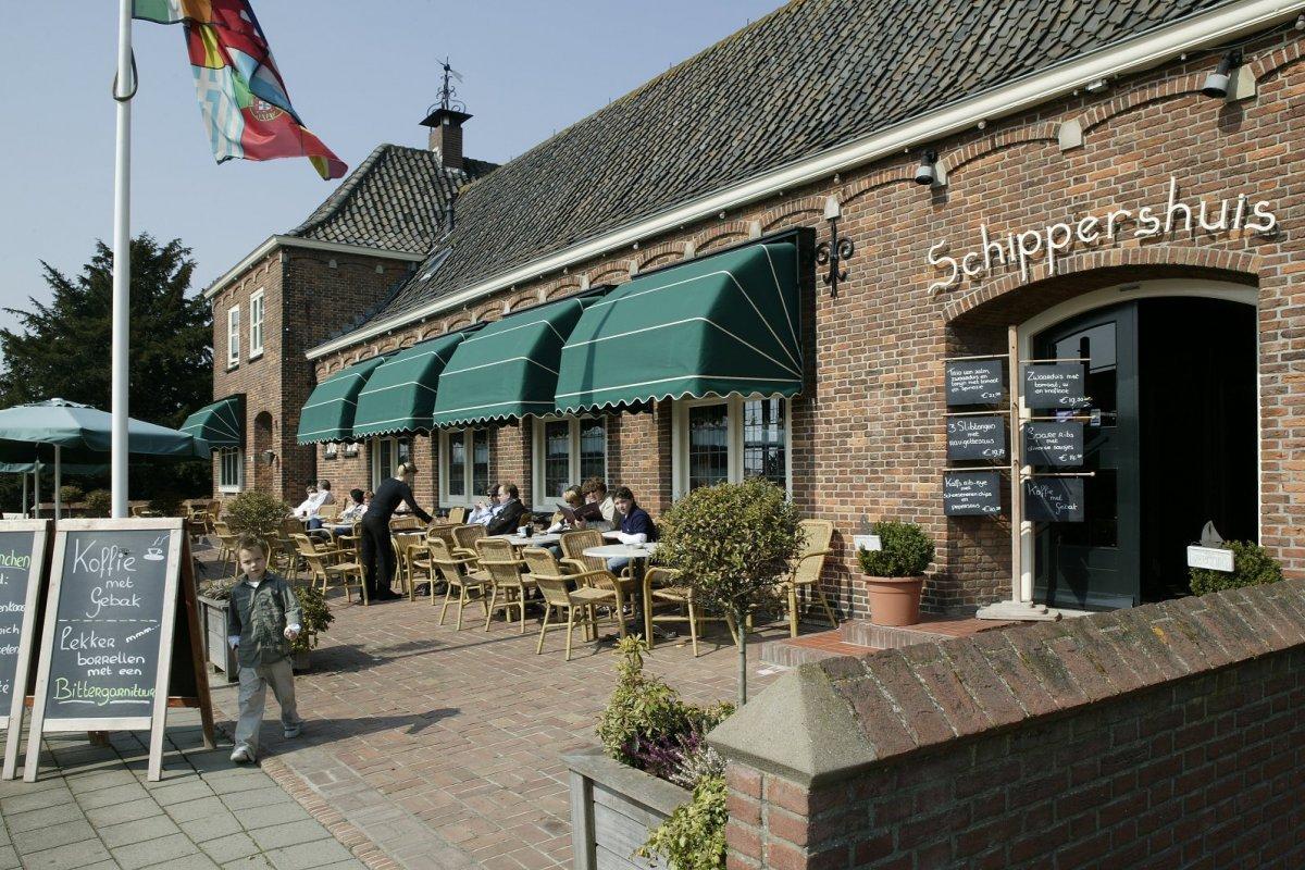 File zicht op het terras aan de havenzijde van restaurant 39 t schippershuis numansdorp - Model van het terras ...