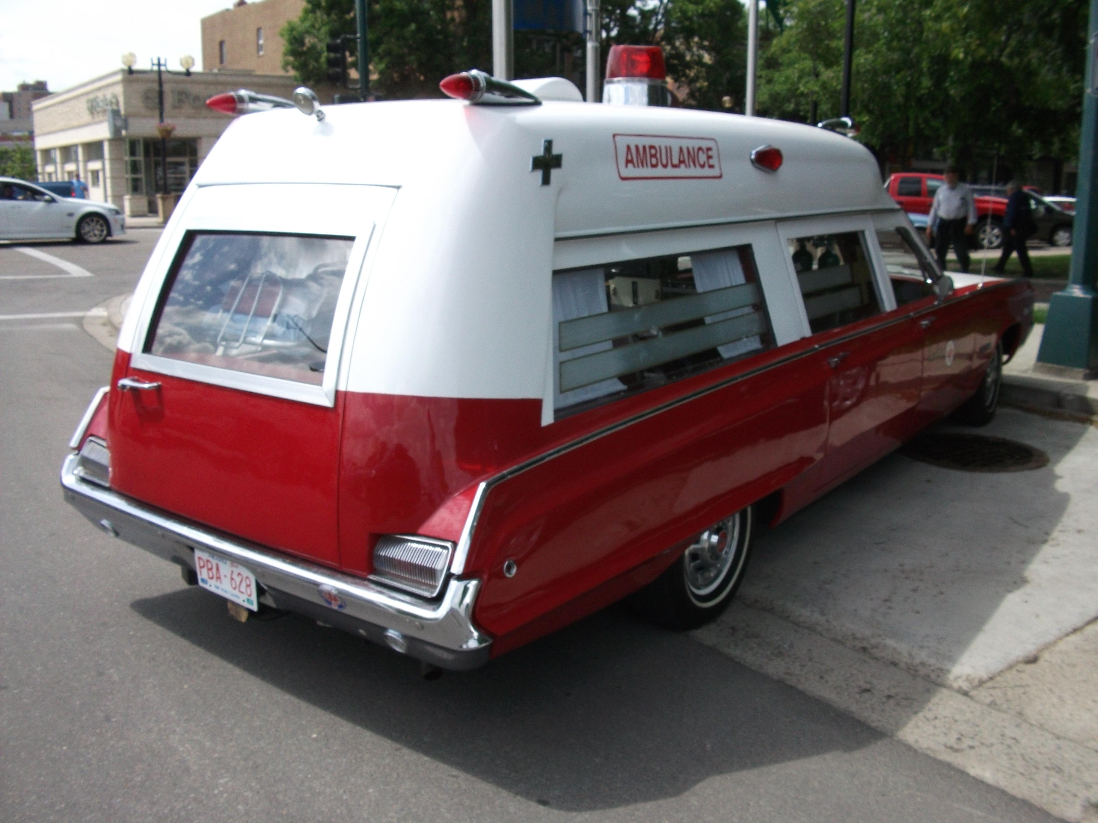 File 1968 dodge polara 500 ambulance 4797949306 jpg