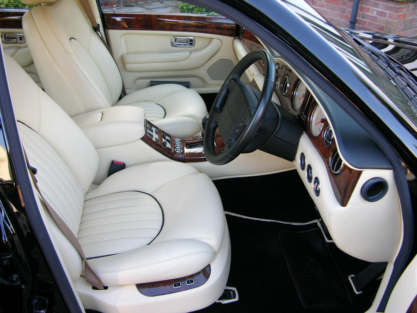 File2001 bentley arnage red label flickr the car spy 17g file2001 bentley arnage red label flickr the car spy 17 vanachro Choice Image