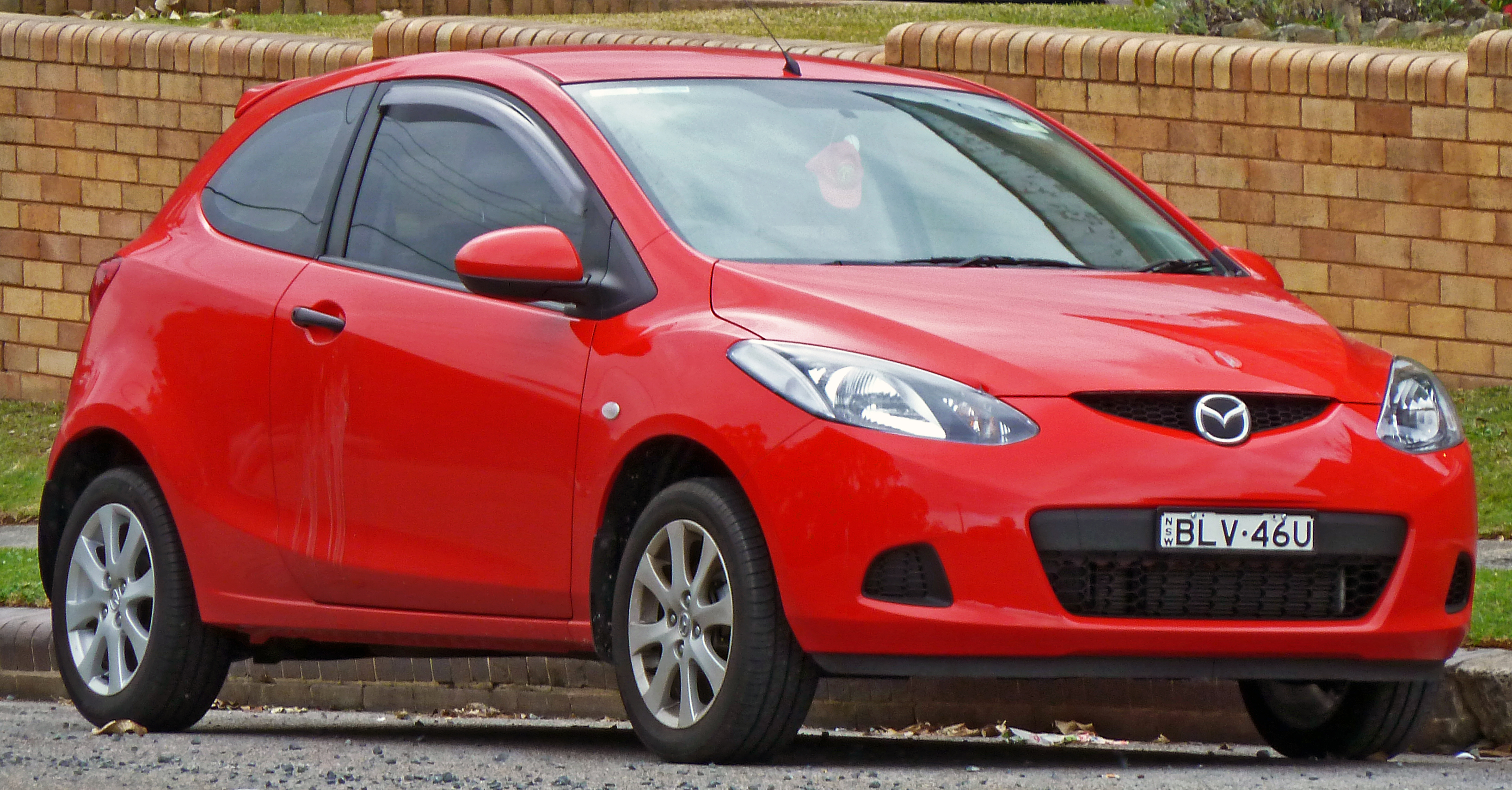 file:2008-2010 mazda 2 (de) maxx 3-door hatchback 01
