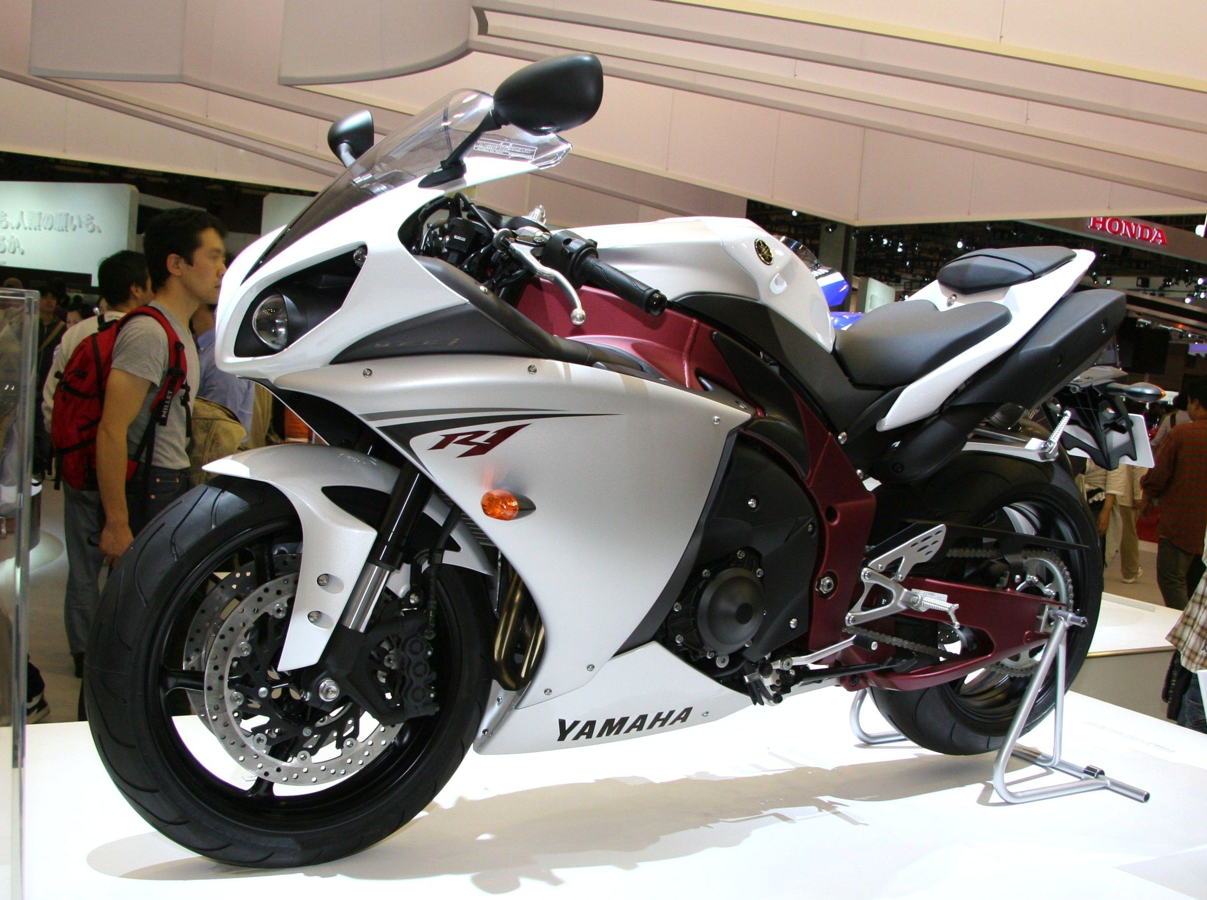 Yamaha YZF-R1 - Wikipedia, the free encyclopedia