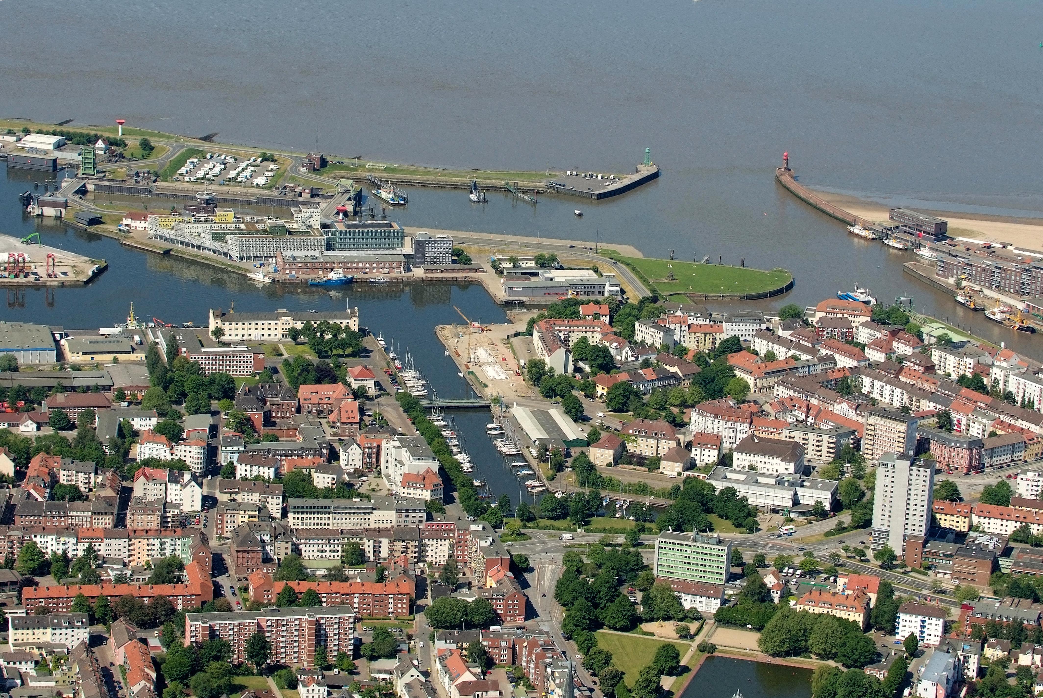 File:2012-05-28 Fotoflug Cuxhaven Wilhelmshaven DSCF9382.jpg ...