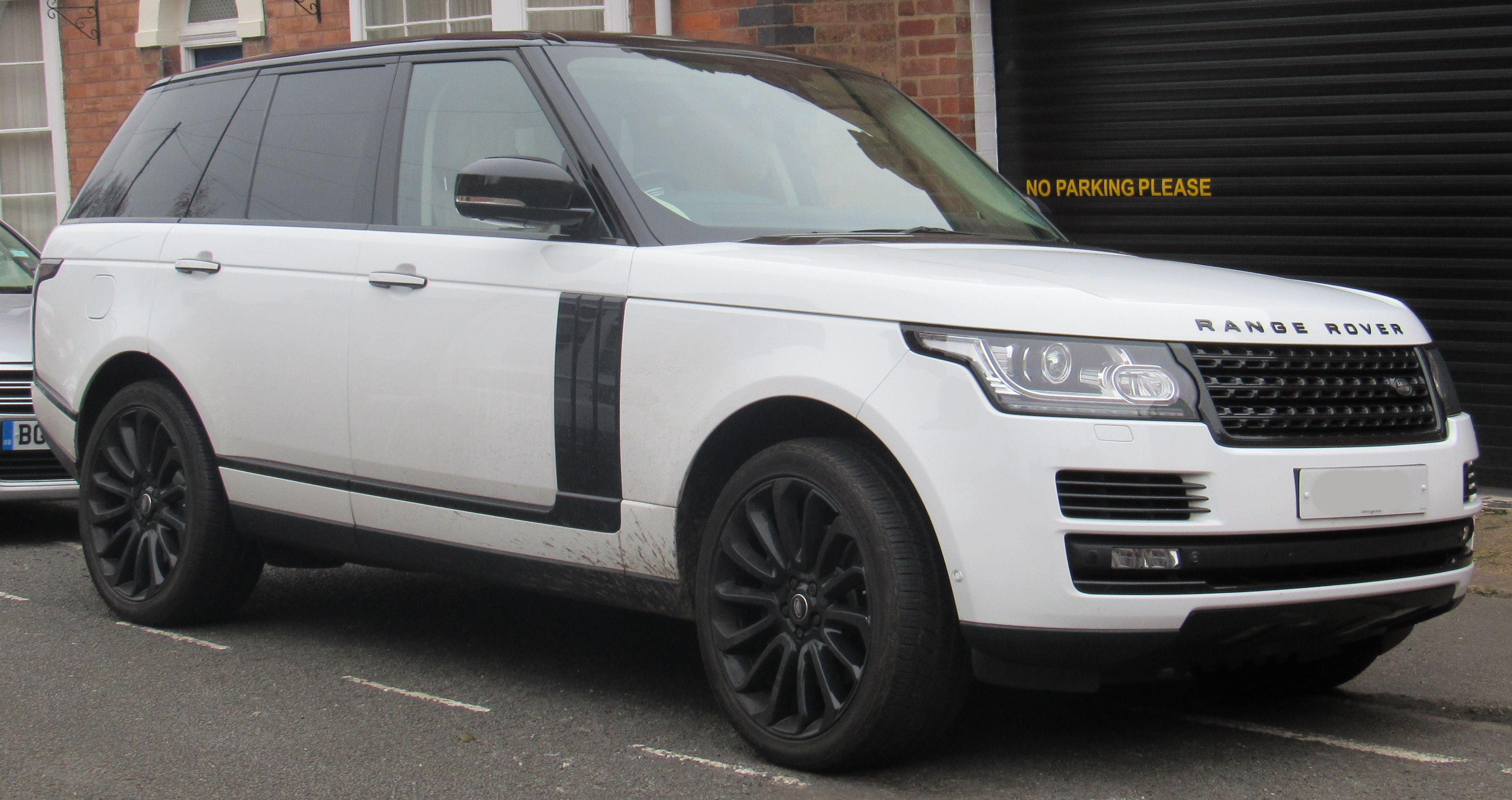 Land Rover Range Rover >> File 2014 Land Rover Range Rover Autobiography 5 0 Front Jpg