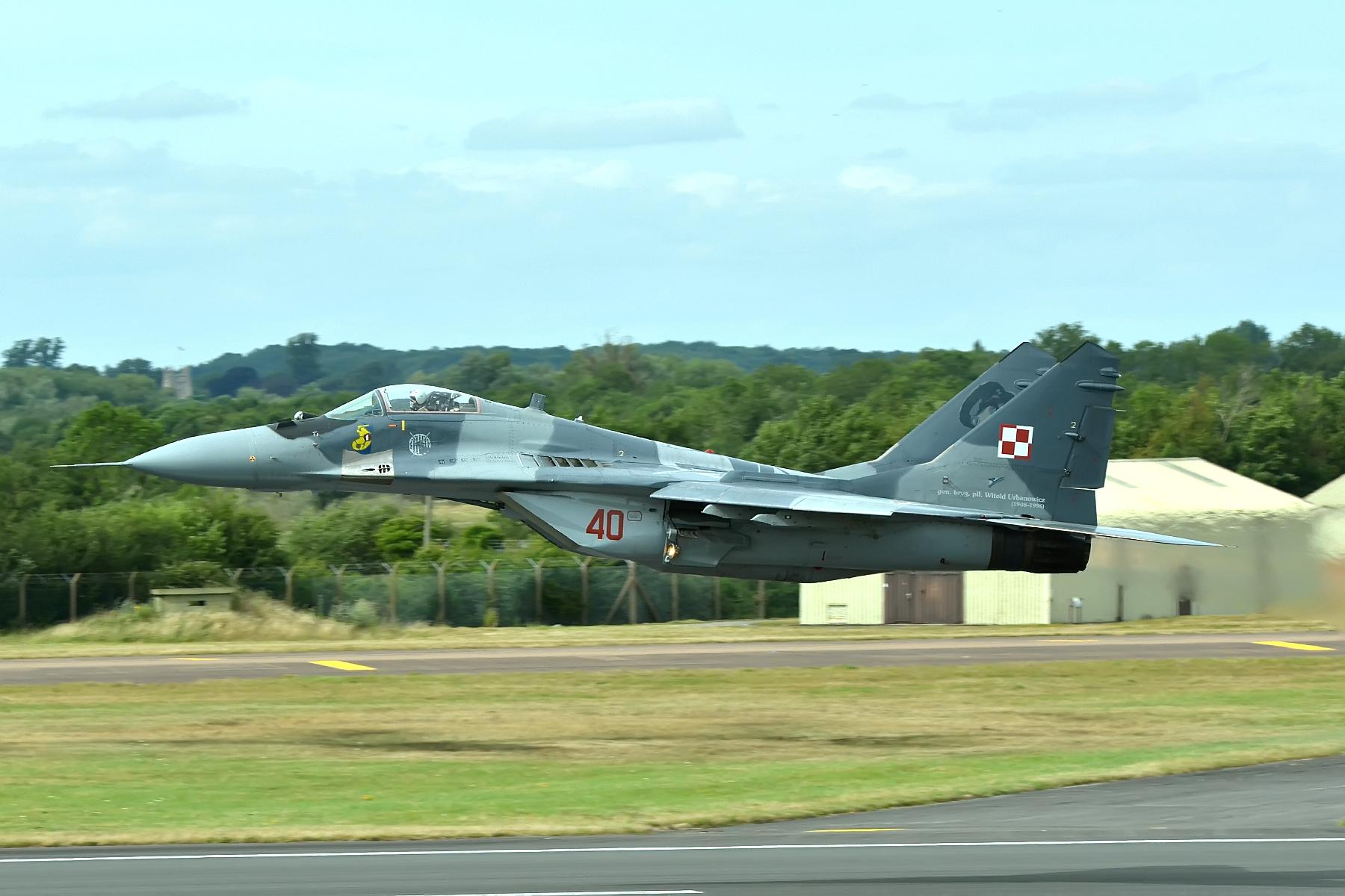 File:40 Mig-29 Polish Air Force - RIAT 15 (19861339062).jpg - Wikimedia Commons