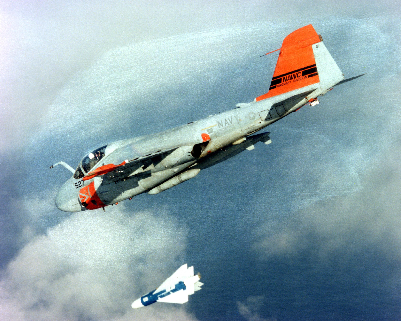 A-6E_Intruder_releasing_a_Walleye_II.jpg