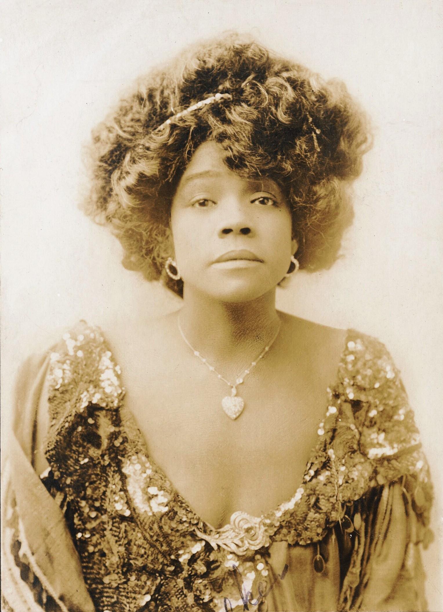 File:Aida Overton Walker 1907.jpg - Wikimedia Commons