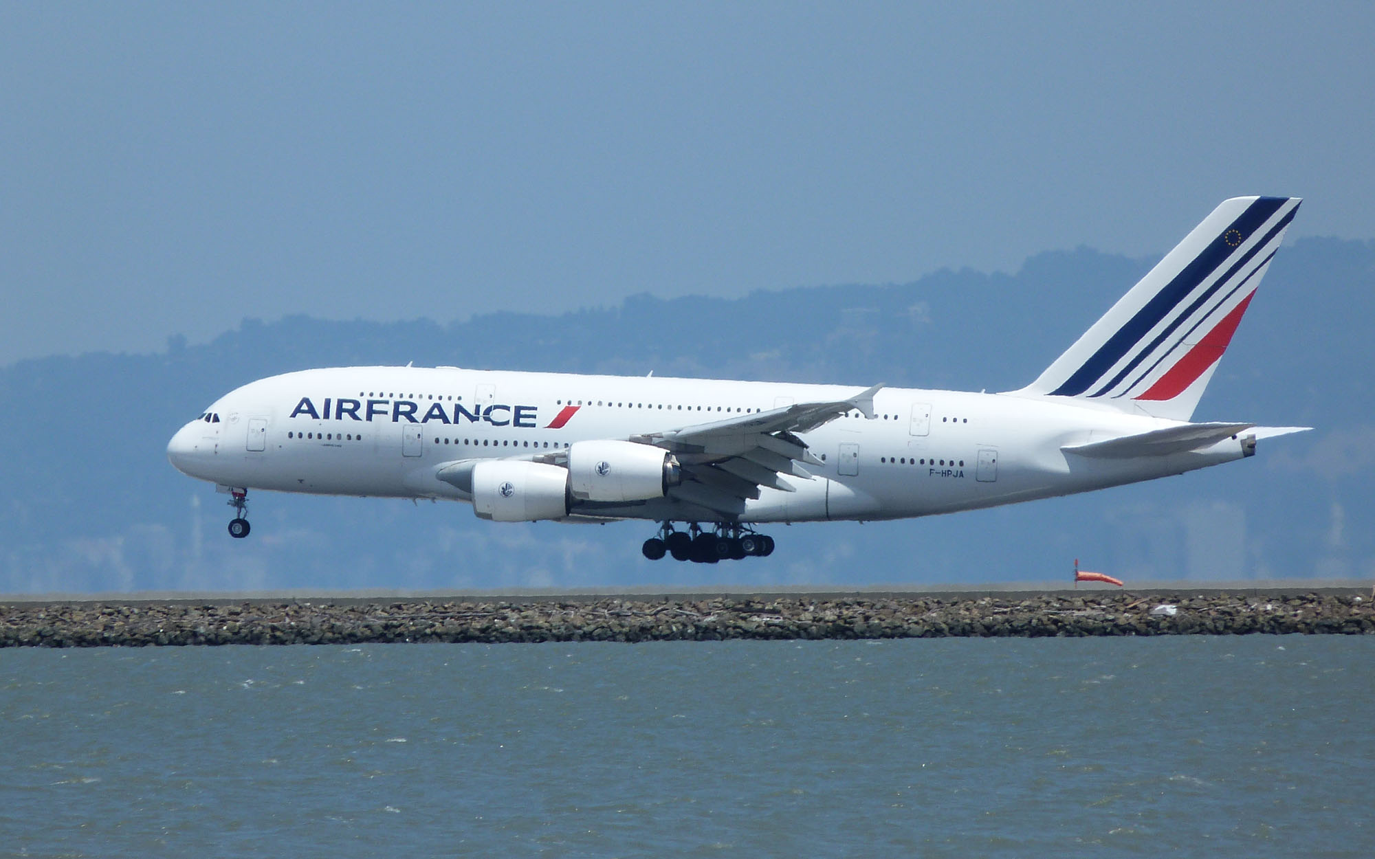 File air france airbus a380 861 f wikimedia for A380 air france interieur