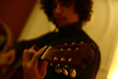 Bestand:Alessandro guitar.jpg