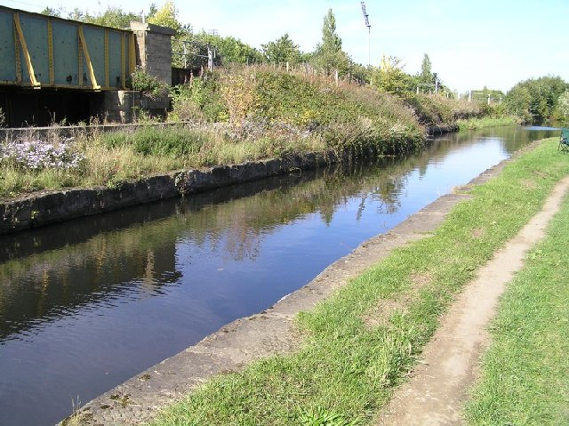 Aqueduct on Sheffield Canal - geograph.org.uk - 57507