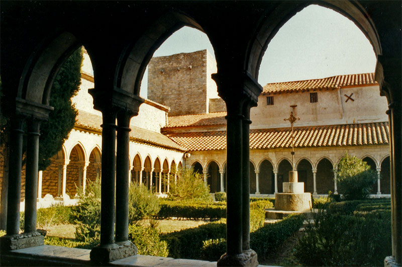 Abbaye Sainte-Marie d'Arles-sur-Tech — Wikipédia