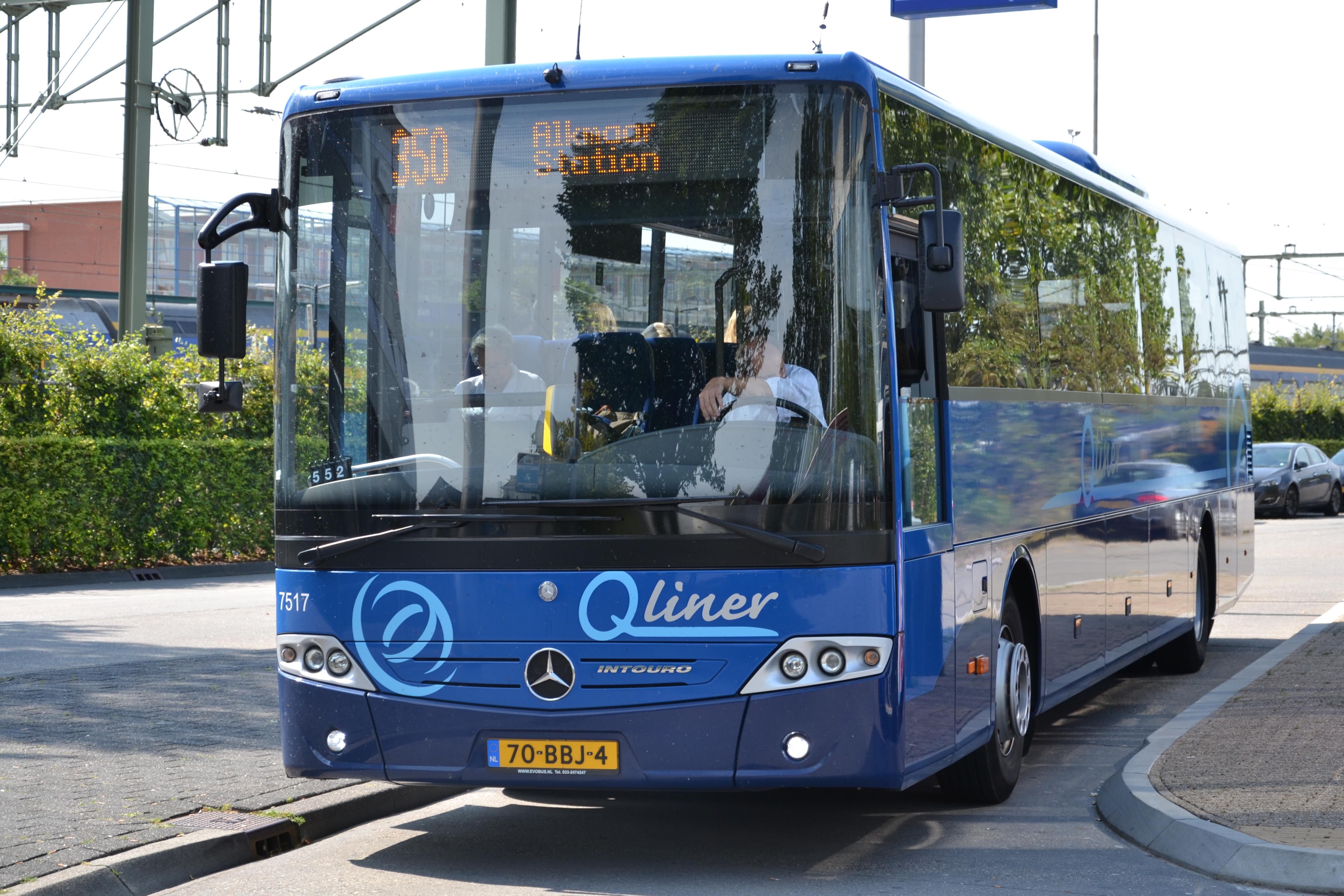 File:Arriva 7517, Leeuwarden busstation (9733095104).jpg