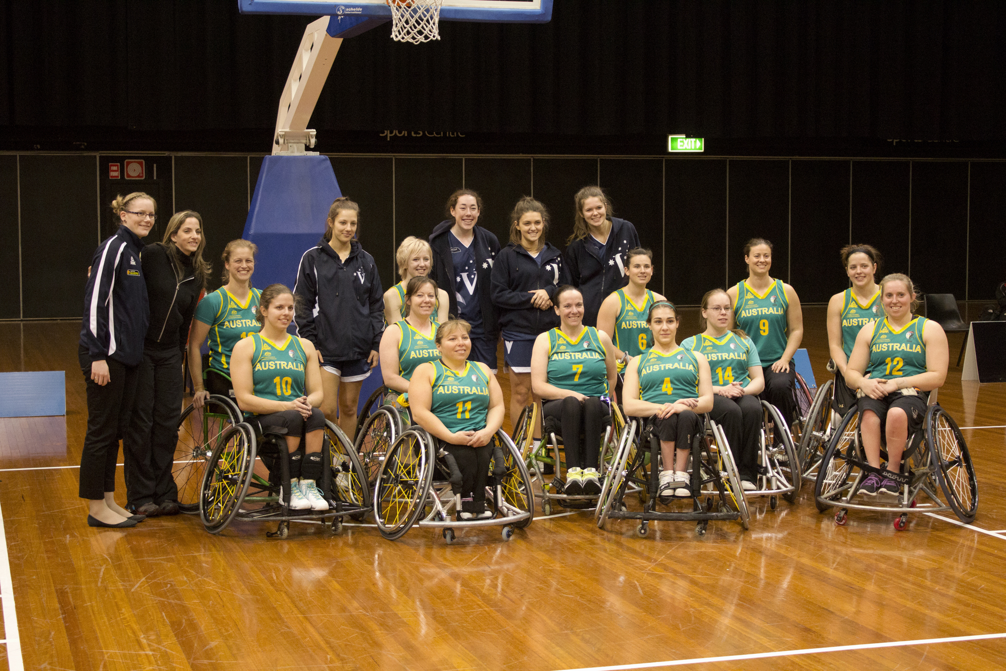 File australian gliders 39 group photo img 2931 jpg for Basketball en chaise roulante