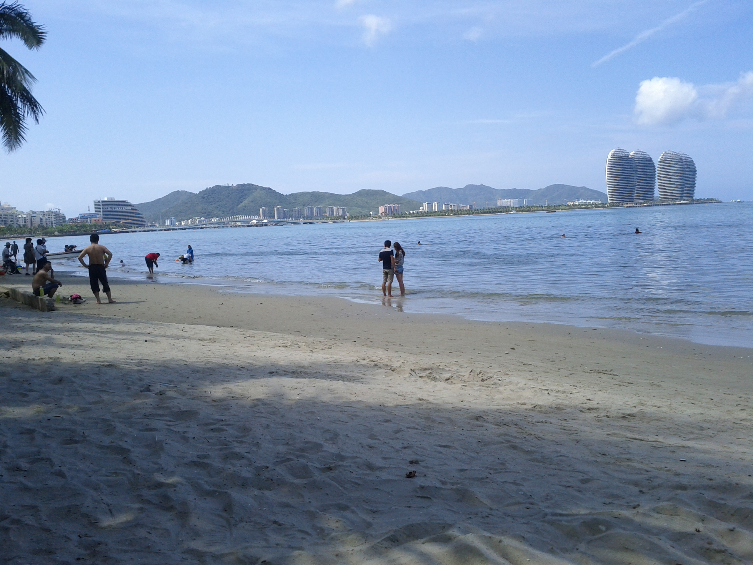 File:Beaches in Sanya, Hainan, China12.jpg - Wikimedia Commons