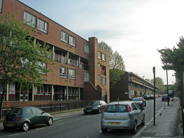 File:Blundell Street, N7 - geograph.org.uk - 414093.jpg