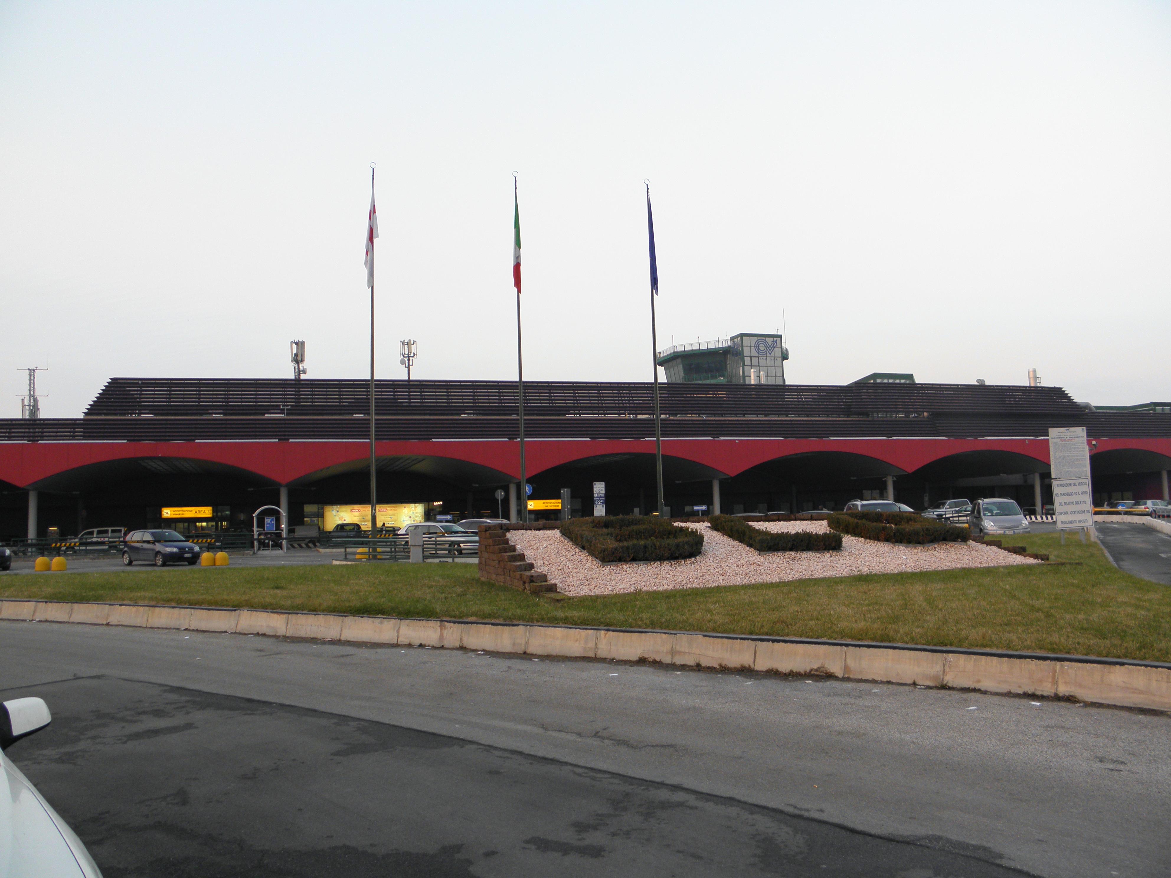Aeroporto Guglielmo Marconi : File bologna guglielmo marconi airport terminal g