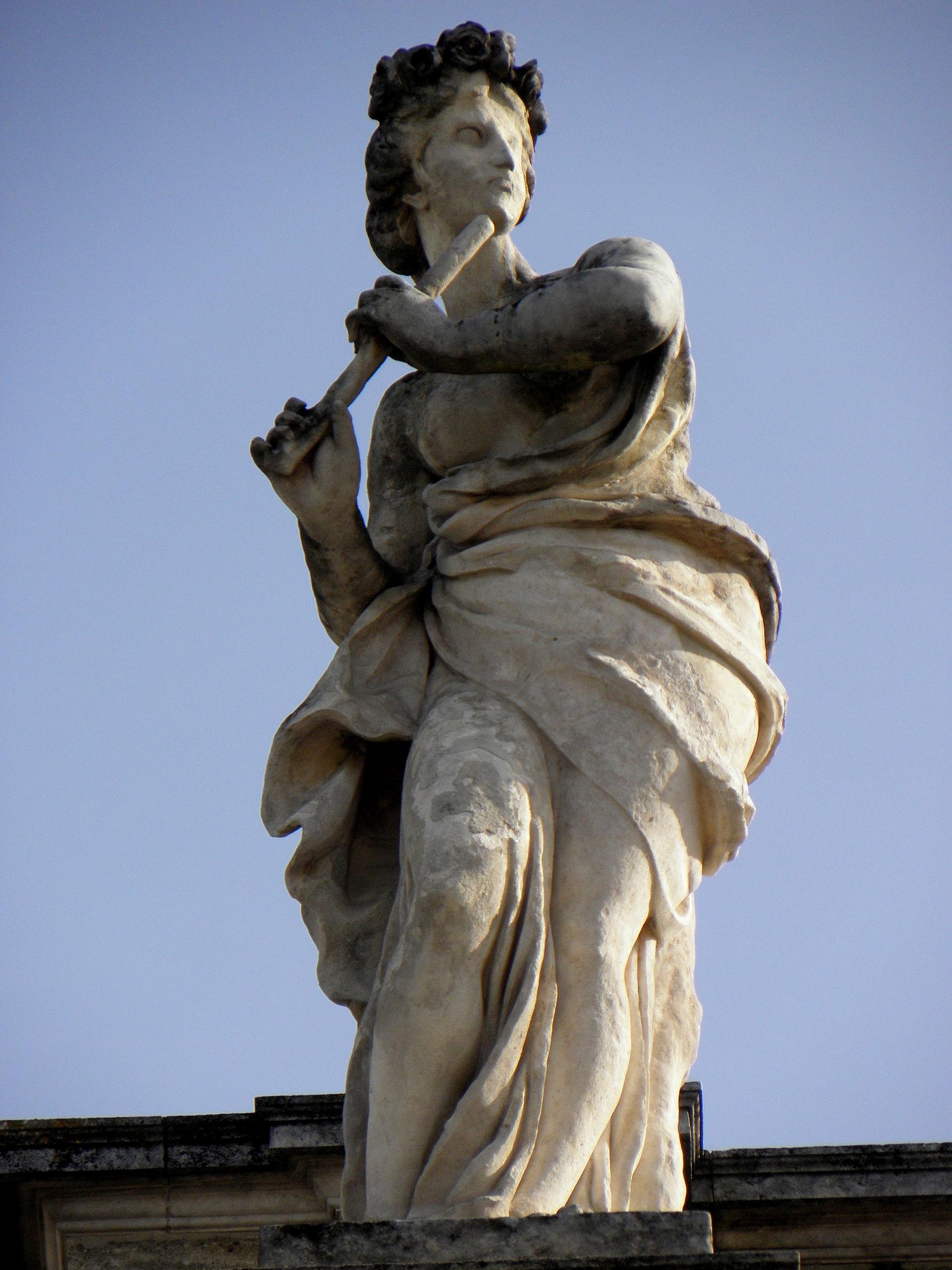 Bordeaux (33) Grand-Théâtre Statue du portique 01.JPG