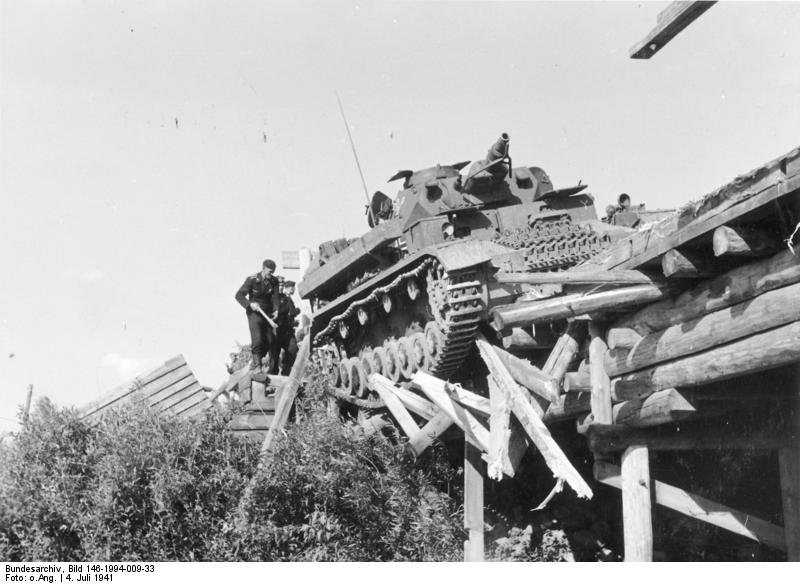 Panzer IVs attempting to cross a wooden bridge in Belarus