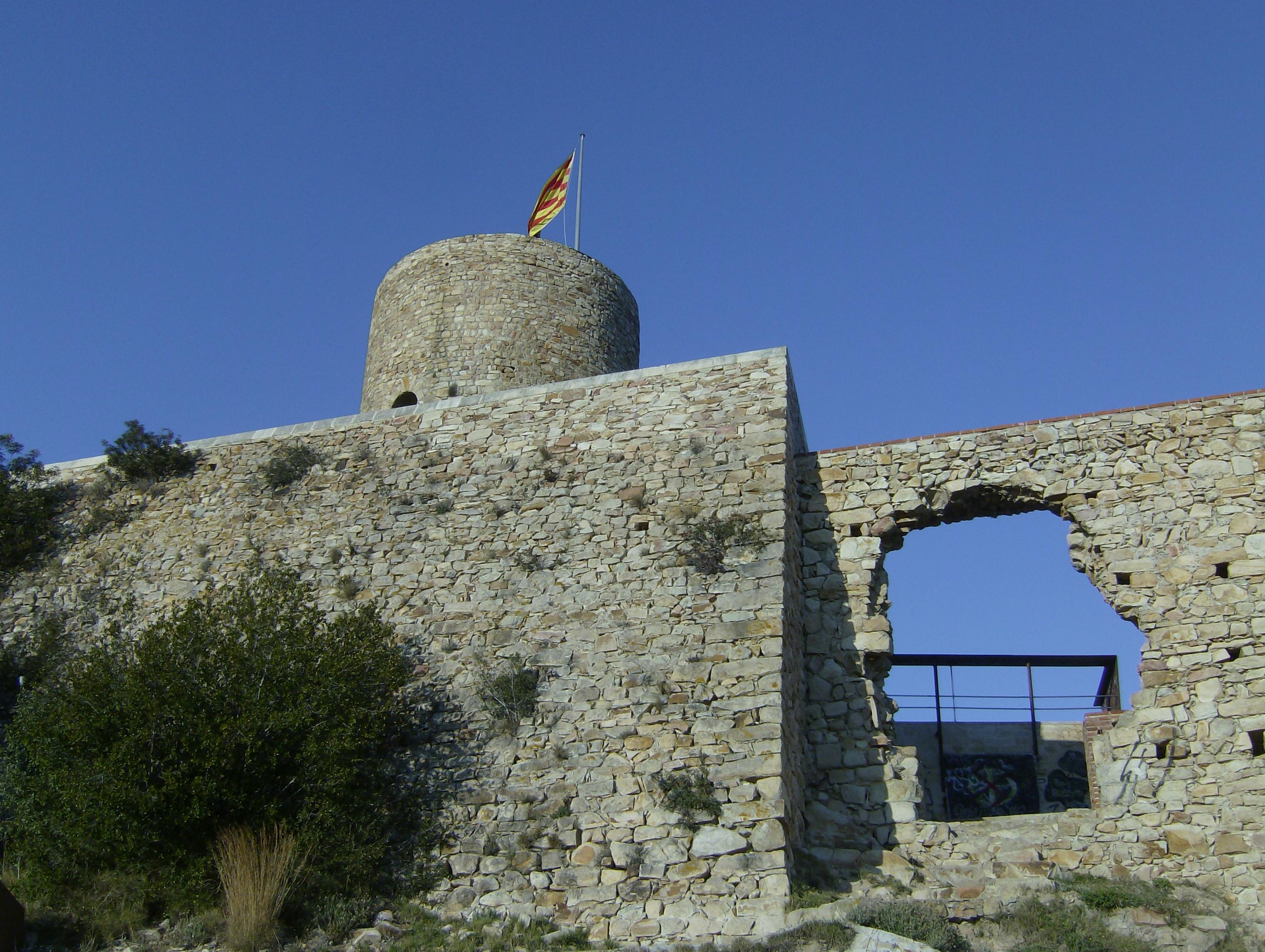 http://upload.wikimedia.org/wikipedia/commons/f/fe/Castellsantjoan.jpg