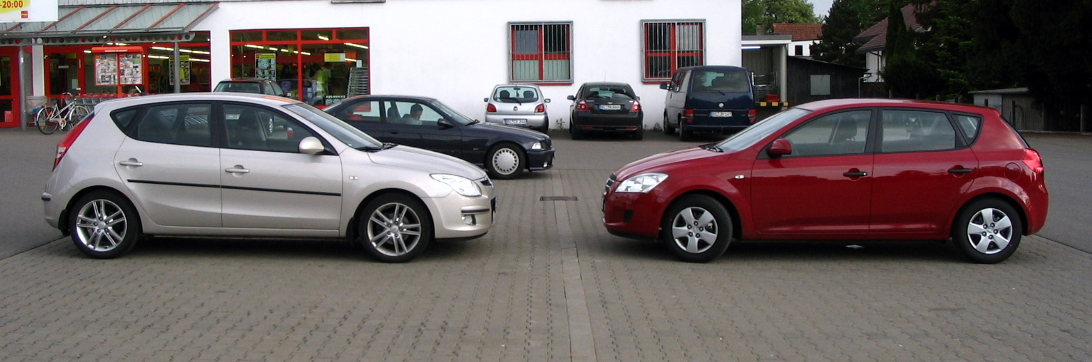 File Cee D Vs I30 Jpg Wikimedia Commons