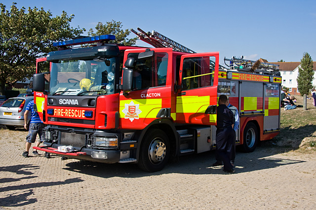 File Clacton Fire Engine Geograph Org Uk 1468616 Jpg