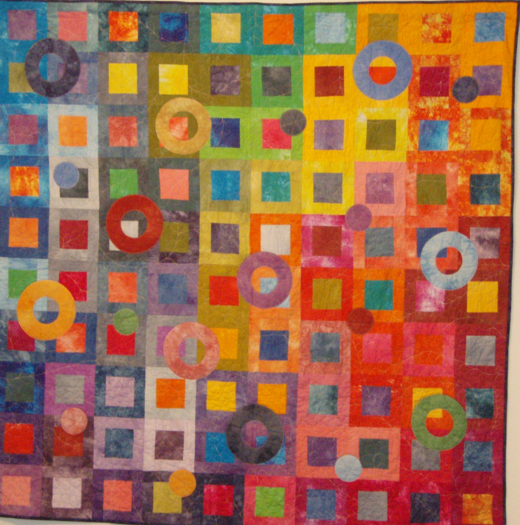 File:Coloured Circles Quilt.jpg - Wikimedia Commons : hand dyed fabric for quilting - Adamdwight.com