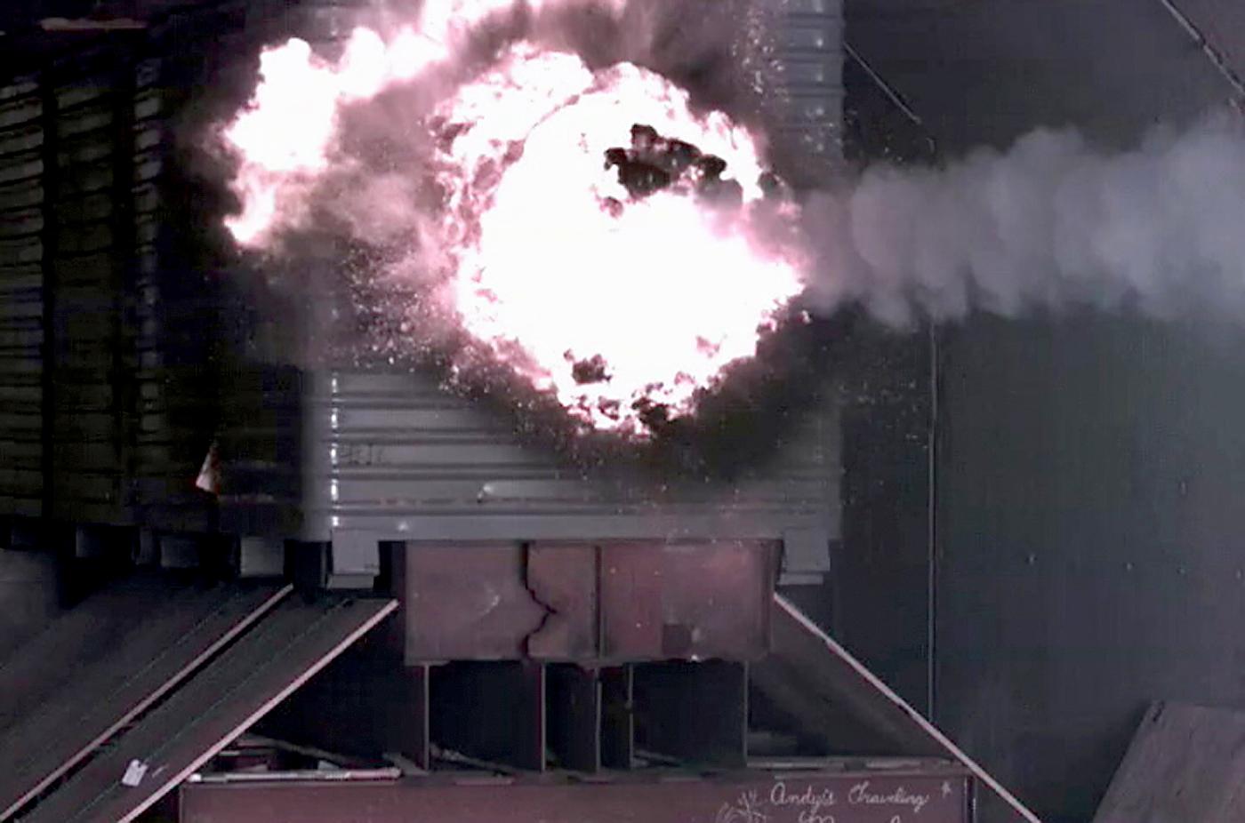 美国海军正在测试一种电磁枪(Rail Gun) - wuwei1101 - 西花社