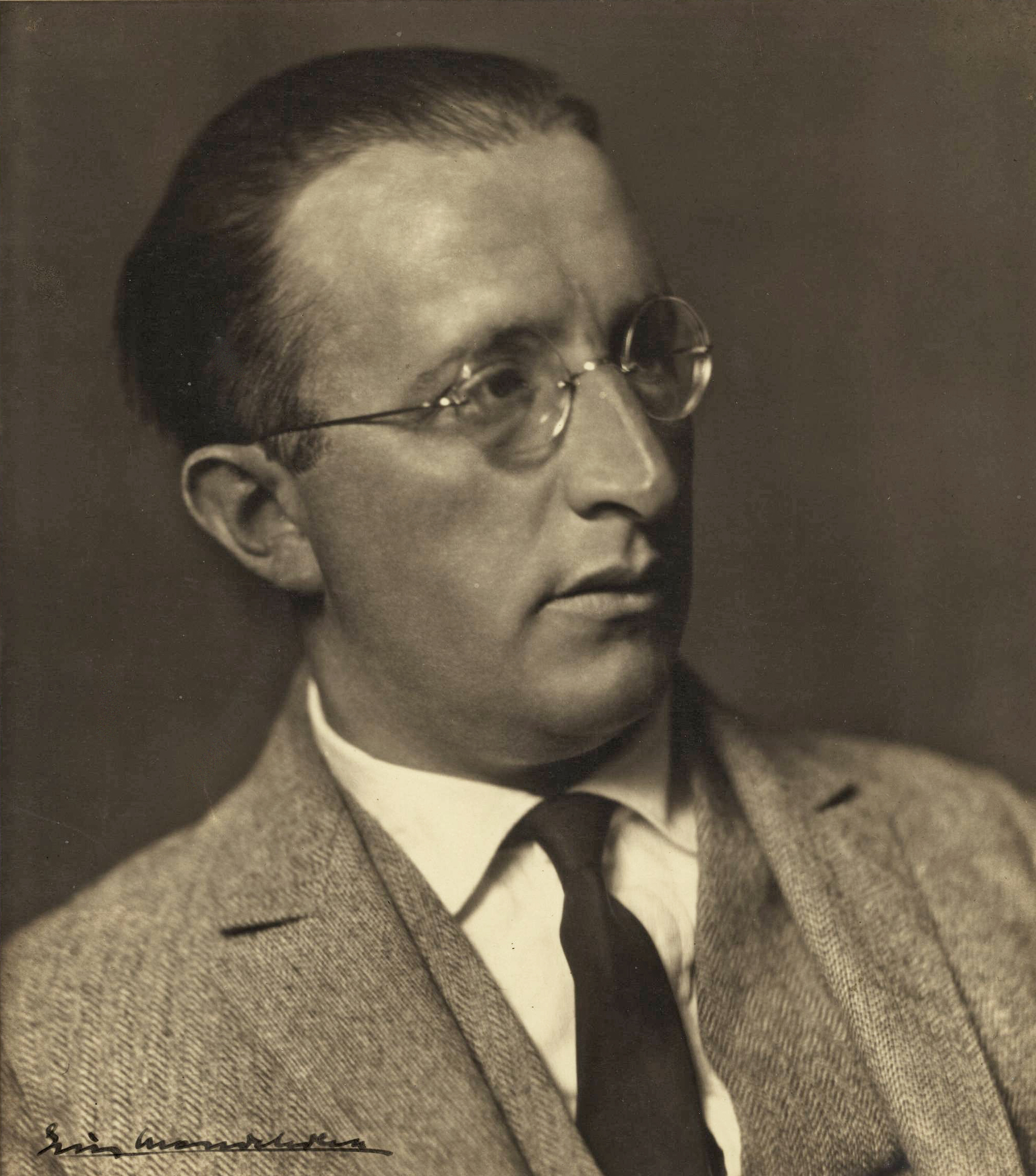 Image of Erich Mendelsohn from Wikidata