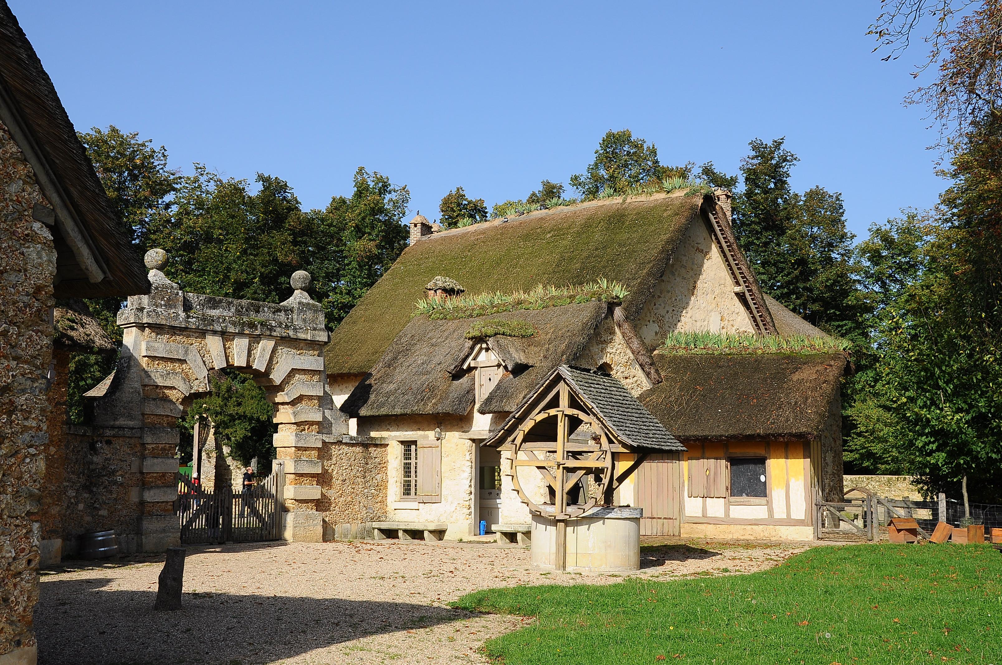 Fichier:Ferme du hameau de la Reine 013.JPG — Wikipédia