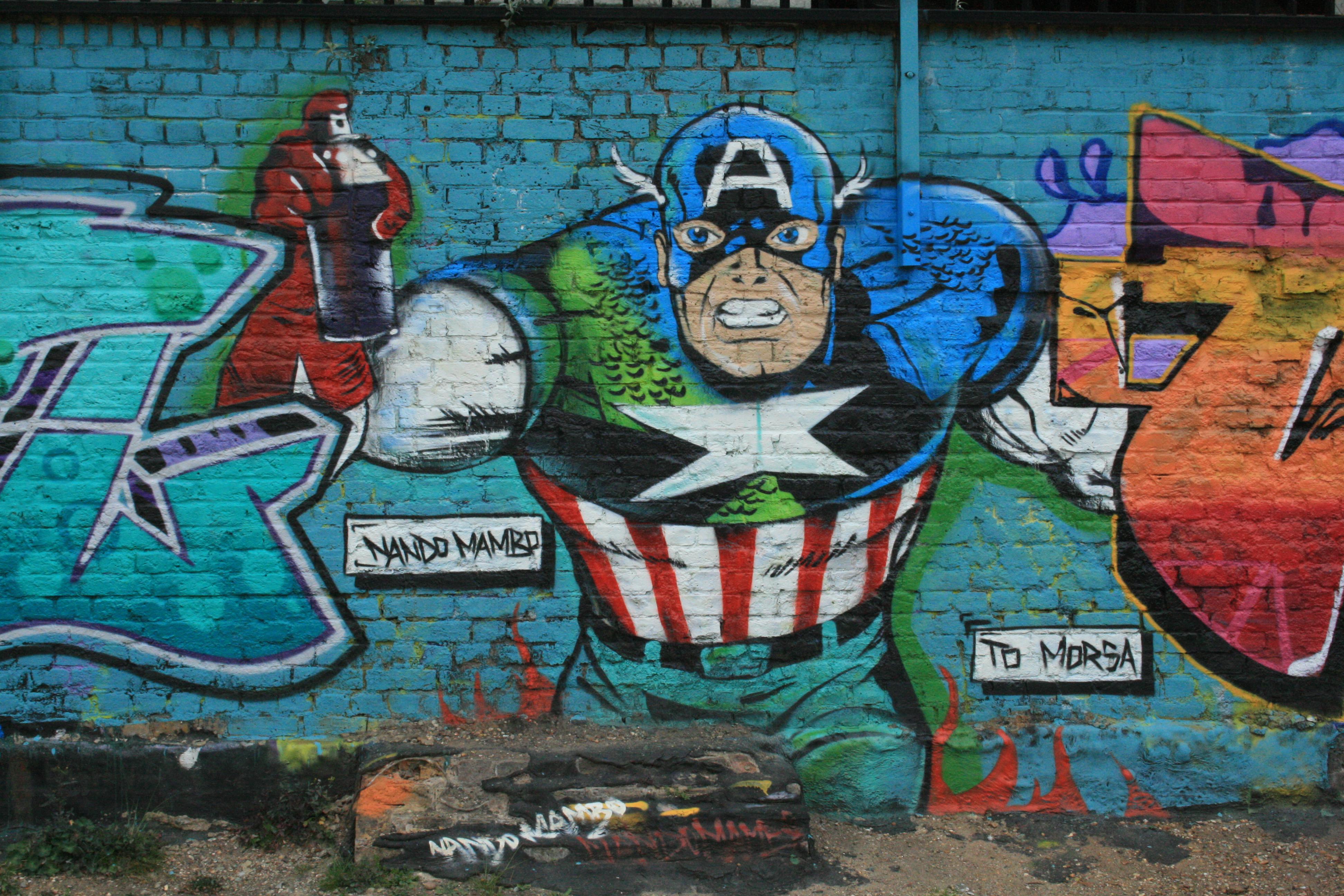 London Underground Tapete : Captain America Graffiti