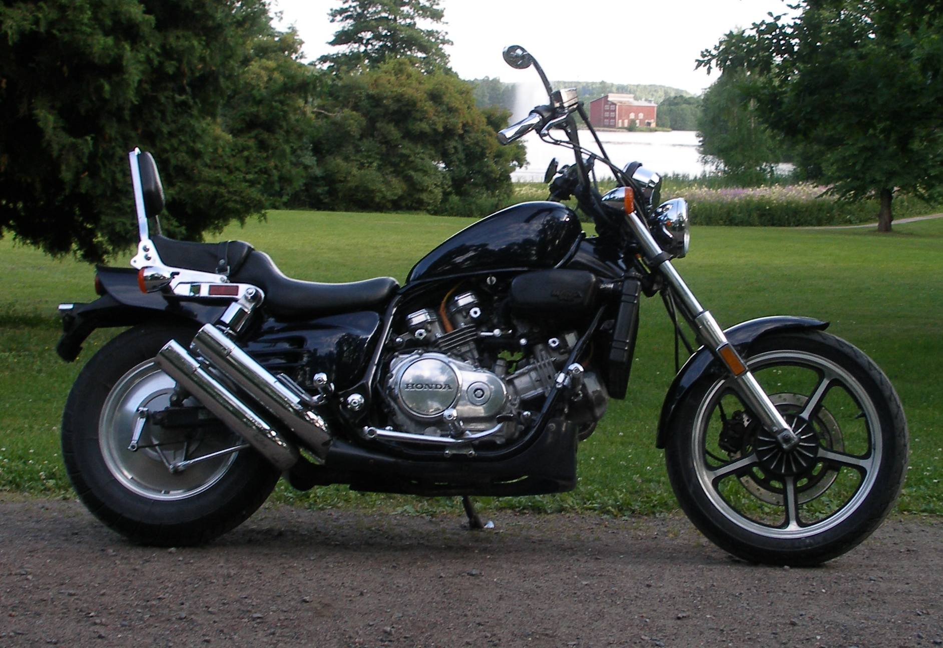 Honda Magna as well Watch further Ik Wil Een Magna V65 Vs Super Magna 87 1 moreover 191996388023 furthermore Motorcycle For List 11035 0. on 1994 honda magna vf750