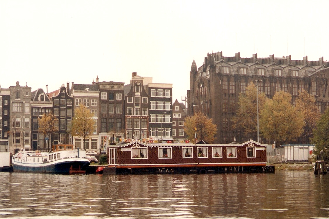 File houseboat wikipedia for Houseboat amsterdam