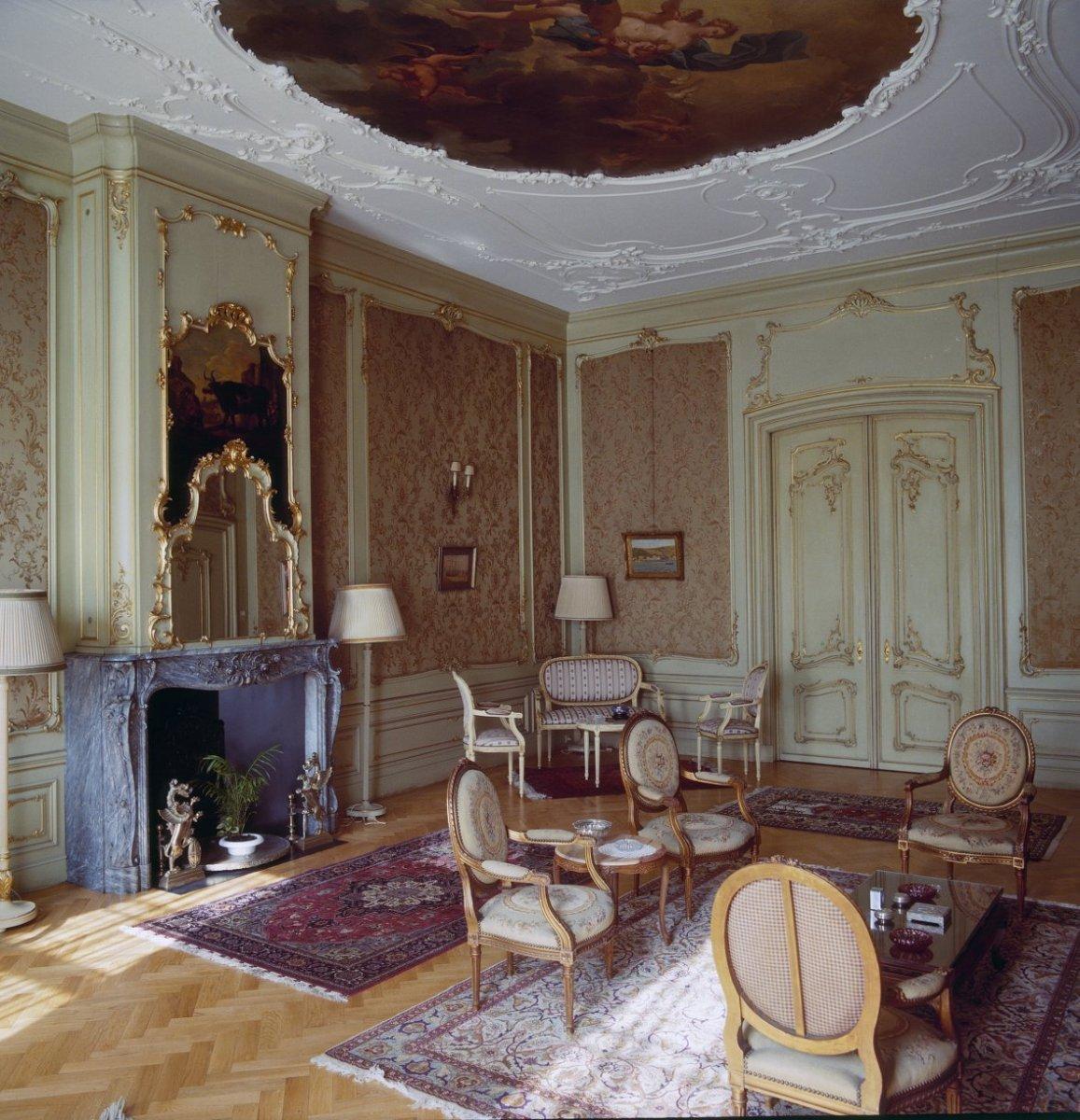 File interieur overzicht van het vertrek rechts op de begane grond in lodewijk xiv stijl 39 s - Whirlpool van het interieur ...